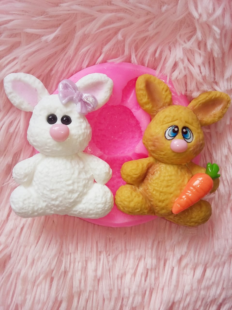 Molde en silicona conejo con zanahoria para fondant pastel fimo pasta